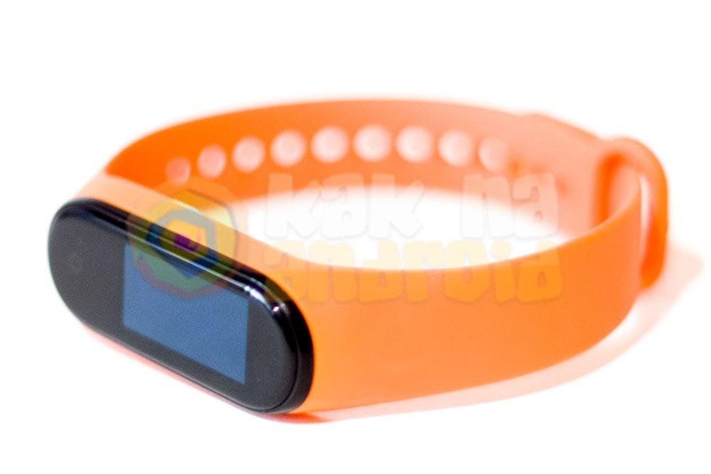 Mi Band 4 с оранжевым ремешком