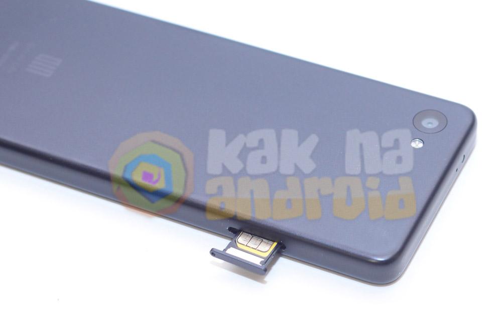 Обзор Xiaomi QIN 2 - левая грань и слот для SIM-карты