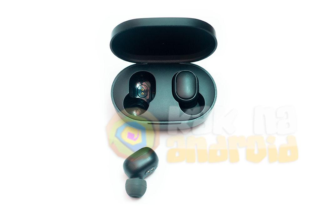 Airdots или Earbuds - какие наушники выбрать